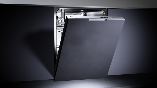 Built-in A++ dishwasher for 12 place settings and 5 washing programs